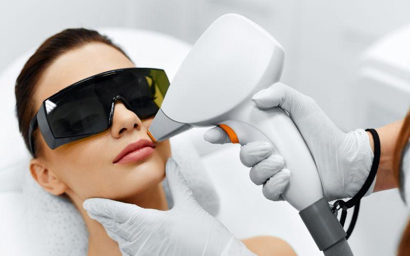 laseroterapia twarzy laser