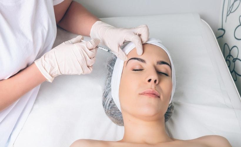 zalecenia po botoksie kobieta